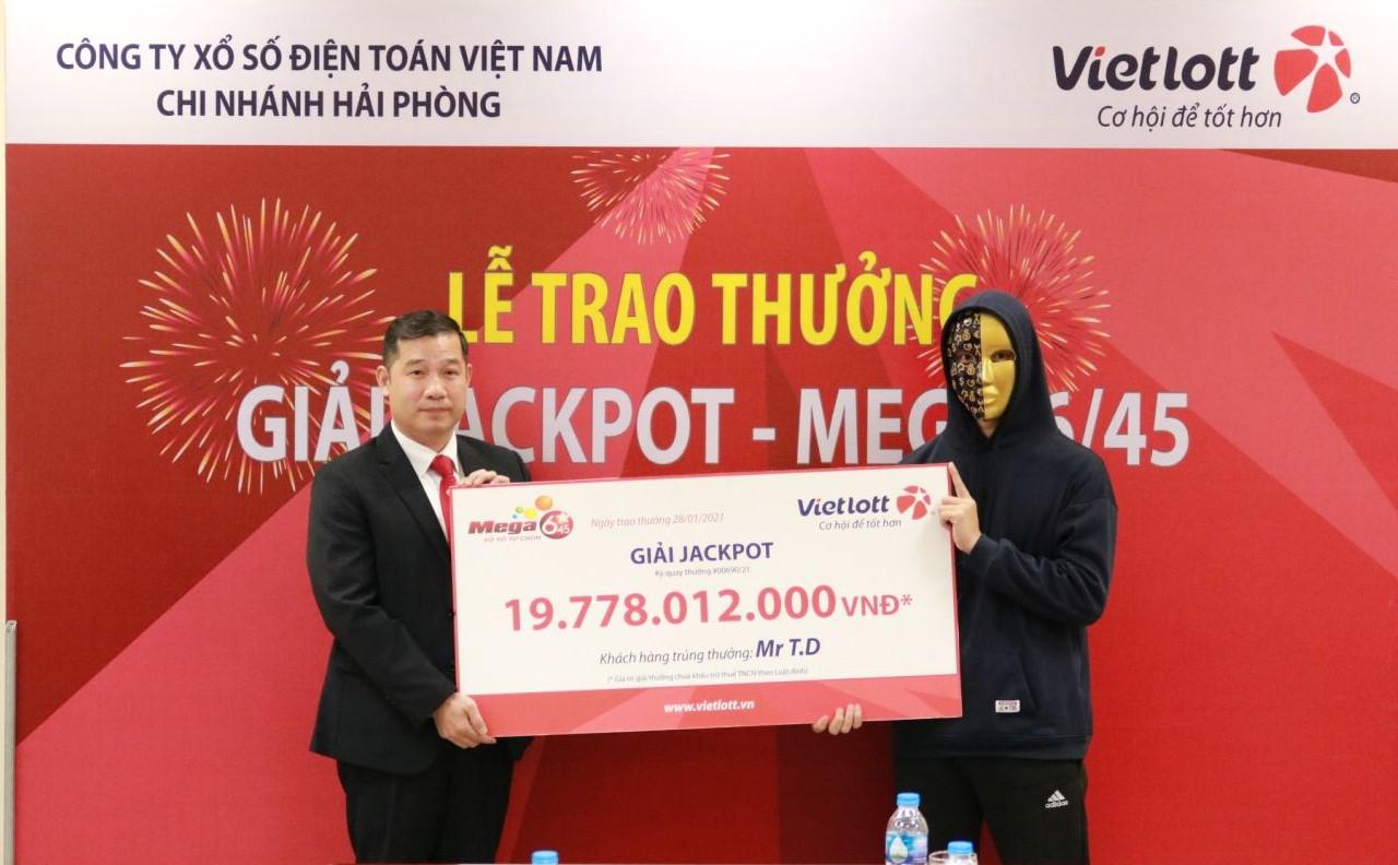 Người chơi trúng Jackpot đầu tiên tại Lạng Sơn ủng hộ thiết bị phục vụ học tập cho trẻ em trường tiểu học xã Bắc Hùng