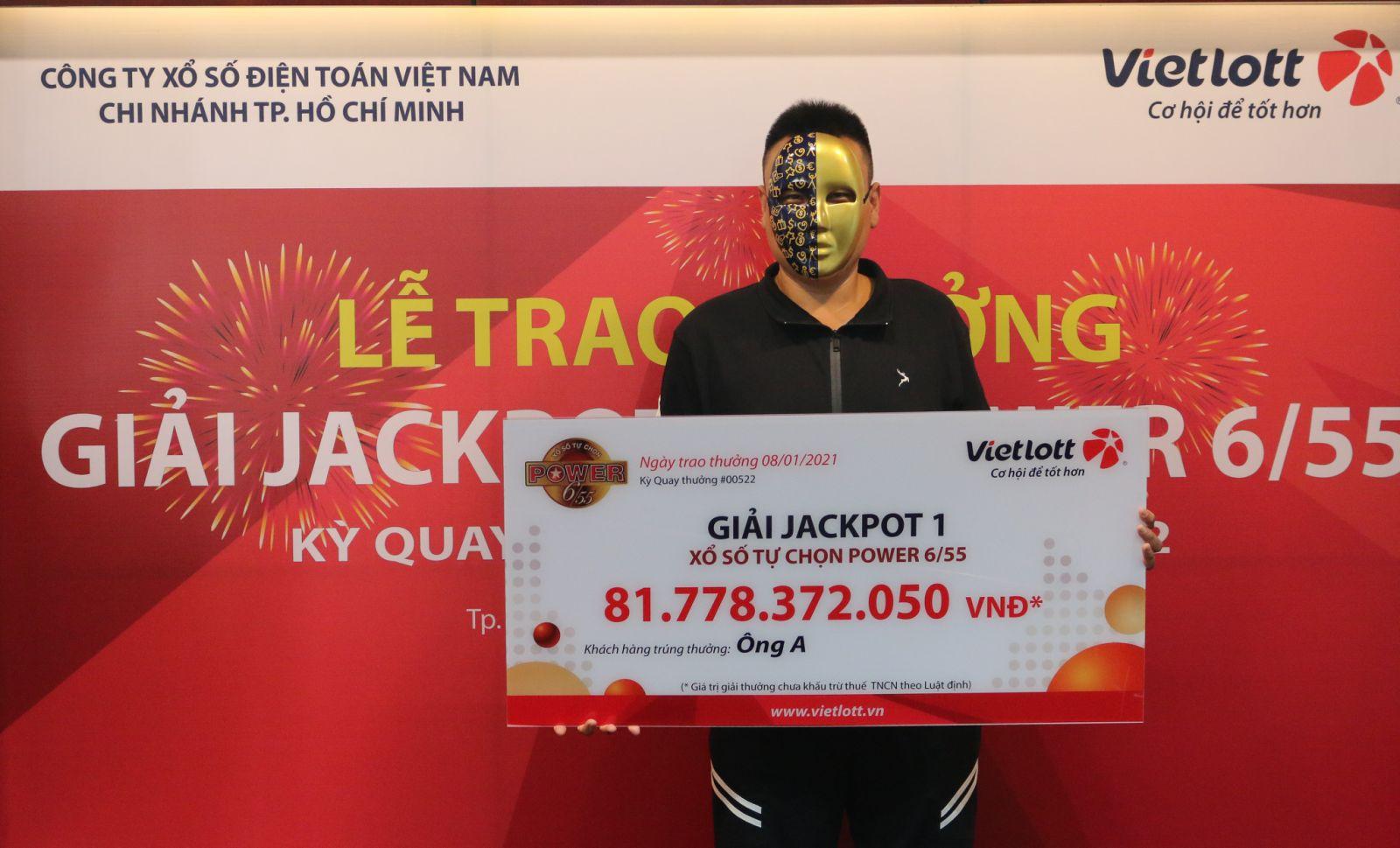 Chủ nhân Jackpot 1 Power 6/55 ủng hộ 500 triệu đồng để đóng góp an sinh xã hội