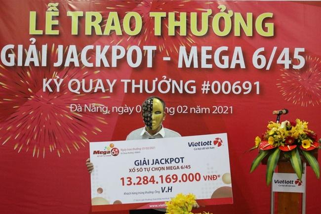 Người chơi trúng Jackpot tại Đà Nẵng tặng quà tết đến các hoàn cảnh khó khăn