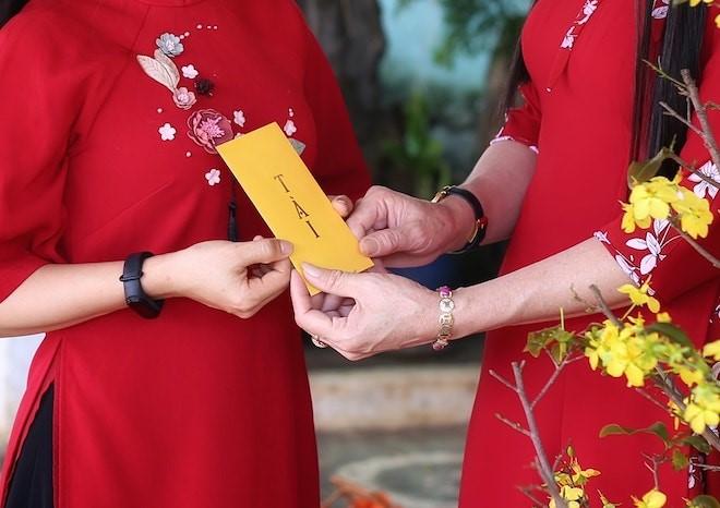 Đón Tết Nguyên đán 2021, người Việt hào hứng với lì xì kiểu mới