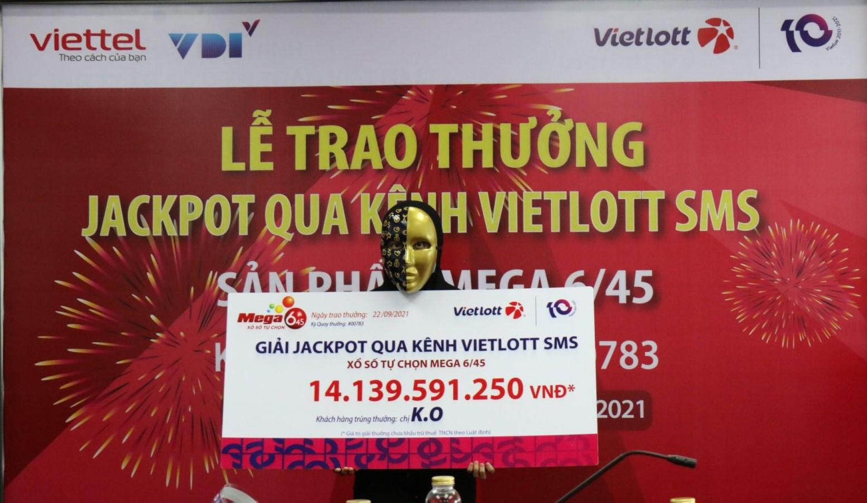 Về quê tránh dịch, nhân viên văn phòng trúng Jackpot hơn 14 tỷ đồng qua Vietlott SMS