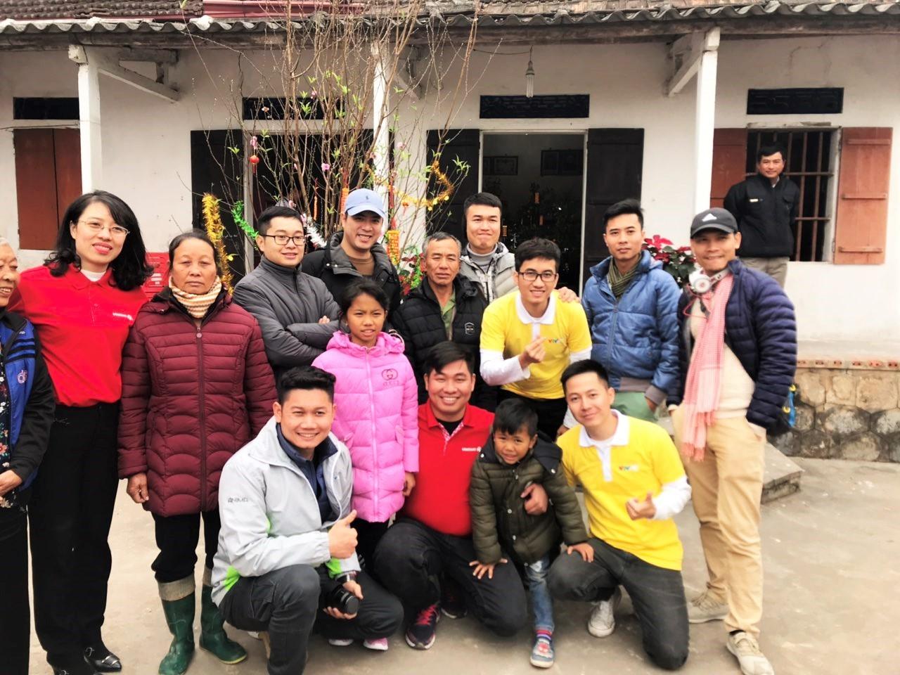 Thay mặt khách hàng, Vietlott mang Tết về với trẻ em khó khăn tại Nam Định