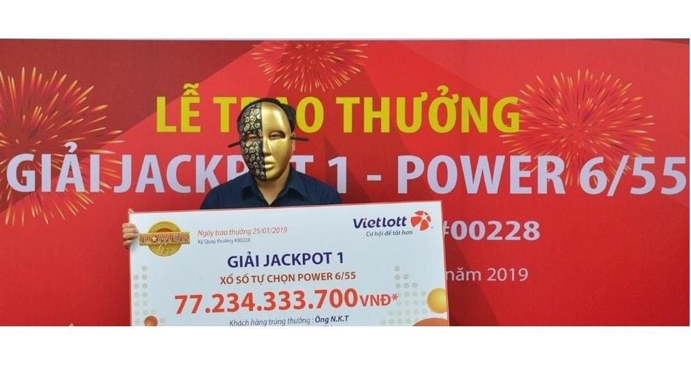 Vietlott trao giải Jackpot trị giá 77,2 tỷ đồng cho khách hàng tại Bình Dương