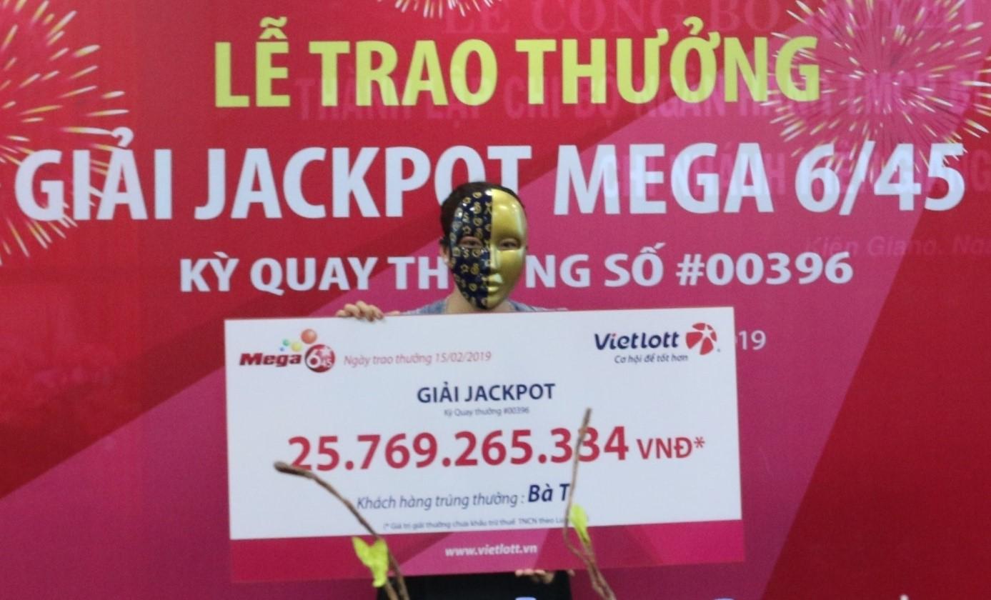 Hùn tiền chơi Bao, 4 người bạn nhận Jackpot Vietlott 25,7 tỷ đồng