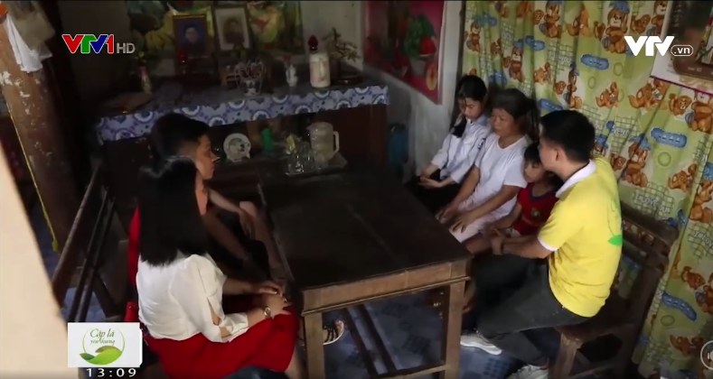 """Vietlott mang """"cặp lá yêu thương"""" đến với trẻ em khó khăn tại Nghệ An."""