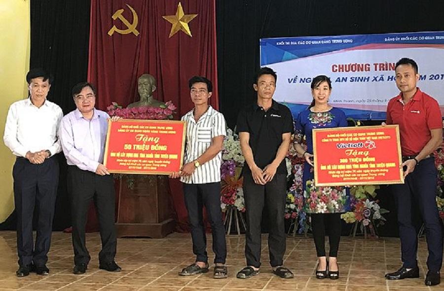 Vietlott tặng 05 nhà tình nghĩa trị giá 300 triệu đồng tại Tuyên Quang