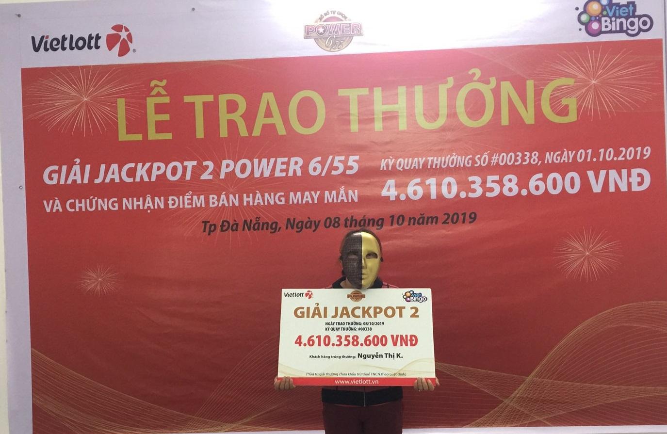 Khách hàng trúng Jackpot 2 tại Đà Nẵng làm nghề bán vé số dạo