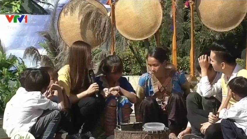 Vietlott nâng cánh ước mơ đến trường cho trẻ em khó khăn tại Lai Châu