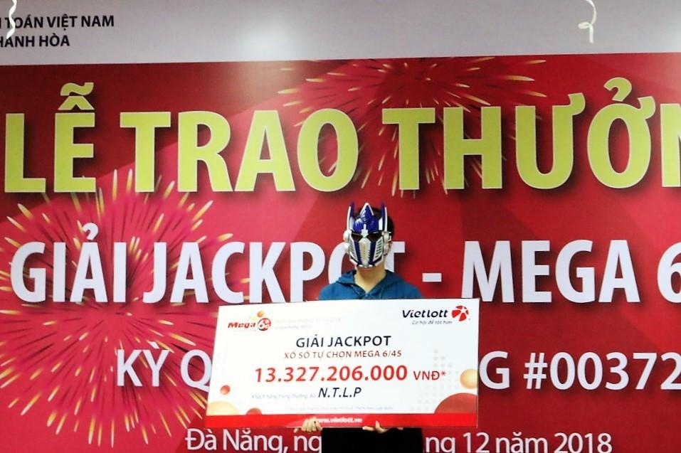 Vietlott trao giải Jackpot trị giá 13,3 tỷ đồng cho khách hàng tại Đà Nẵng